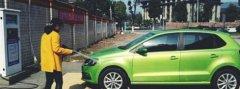 个人洗车店已成过来,24小时6元自助洗车风靡市场